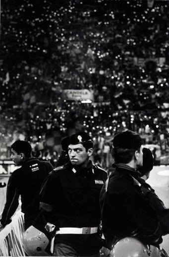 Polizia (Mille Luce), 2001